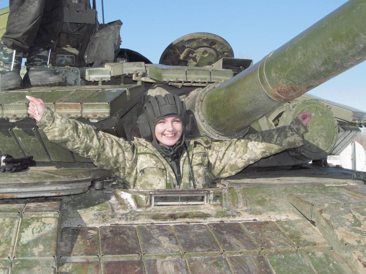 Фото девушек на танке 6 фотография