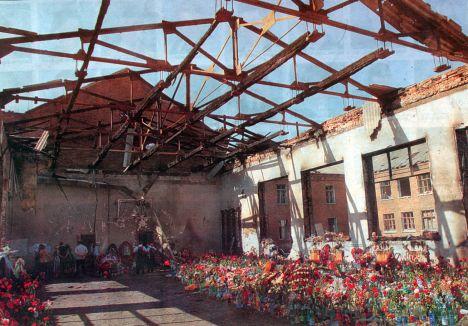 http://forums.airbase.ru/cache/sites/o/s/ossetia.org.ru/images/468x468/beslan-school.jpg