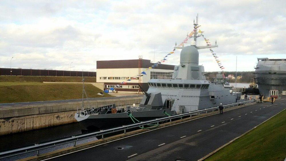 """Project 22800: """"Karakurt"""" class missile ship - Page 23 Spusk_na_vodu_malogo_raketnogo_korablya_Burya_pr_22800_Karakurt"""