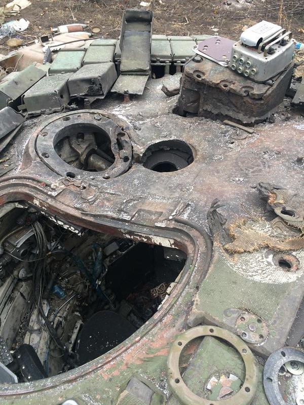 Прямое попадание танка в бмп